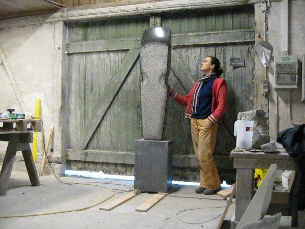 Tid på værkstedet. Blå rønne Bornholmsk granit Højde